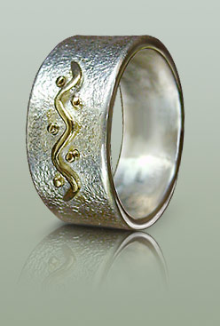 Silver ring with ancient mariners motif